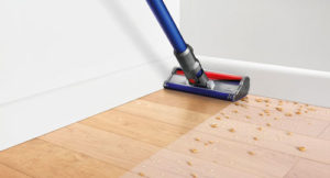 An example showing how the Dyson V6 Fluffy hard floor vacuum cleans wood flooring.